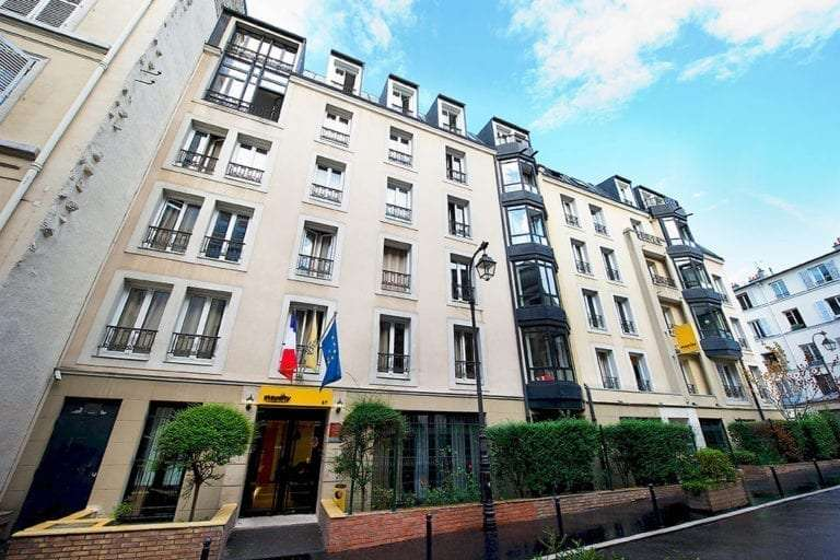 Staycity Paris Hotel exterior