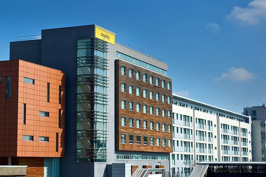 Apartment Hotels Near Heathrow Terminal 4 With Direct Train To