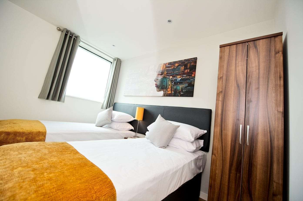 Staycity Apartment Hotel, London Heathrow - with Parking